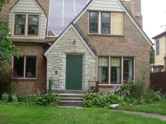 3459 S 38th St, Milwaukee, WI 53215 (#1754833) :: EXIT Realty XL