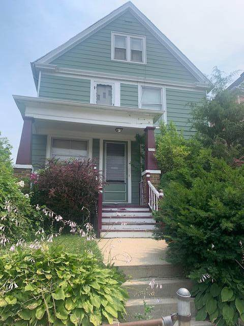 2038 N 24th St, Milwaukee, WI 53205 (#1754864) :: Re/Max Leading Edge, The Fabiano Group