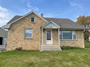 N128W20472 Holy Hill Rd, Germantown, WI 53076 (#1754951) :: Tom Didier Real Estate Team