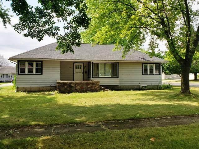 1021 Wilbur St, Watertown, WI 53098 (#1755301) :: Tom Didier Real Estate Team