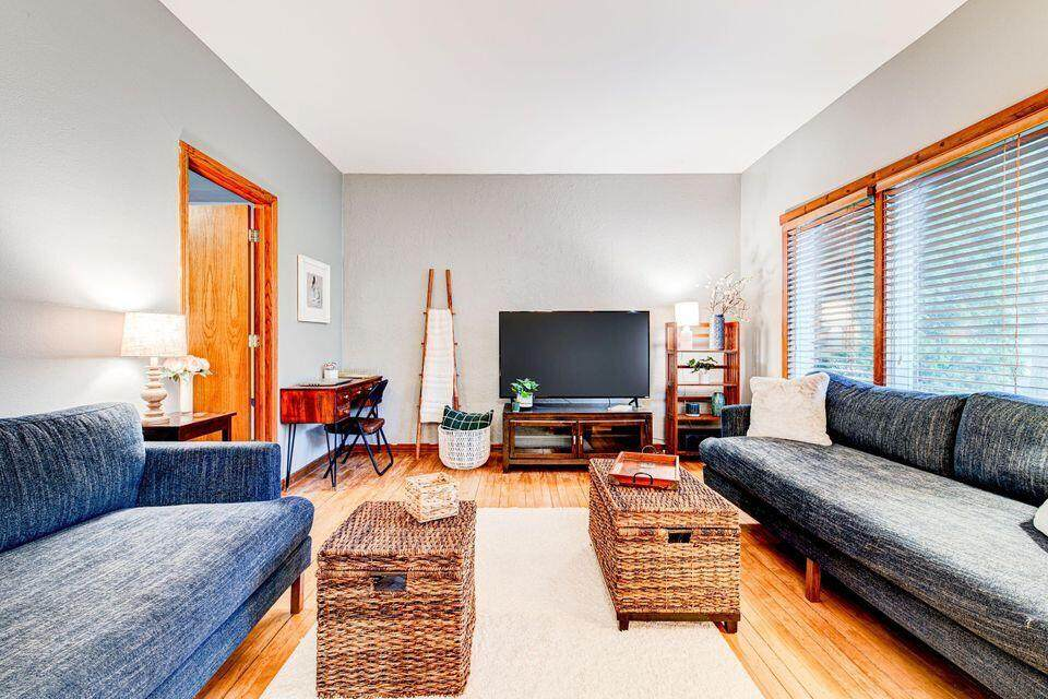 1224 Sell Dr - Photo 1