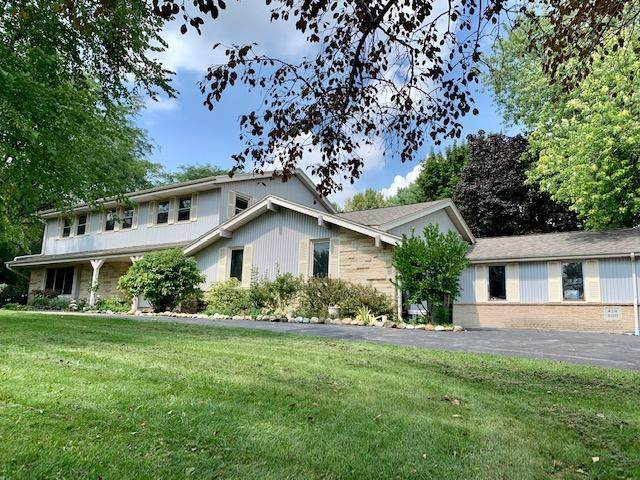 W276S3255 Burnell Dr, Waukesha, WI 53189 (#1759310) :: EXIT Realty XL