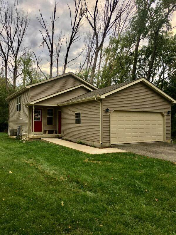 26805 109th St, Salem Lakes, WI 53179 (#1762993) :: EXIT Realty XL