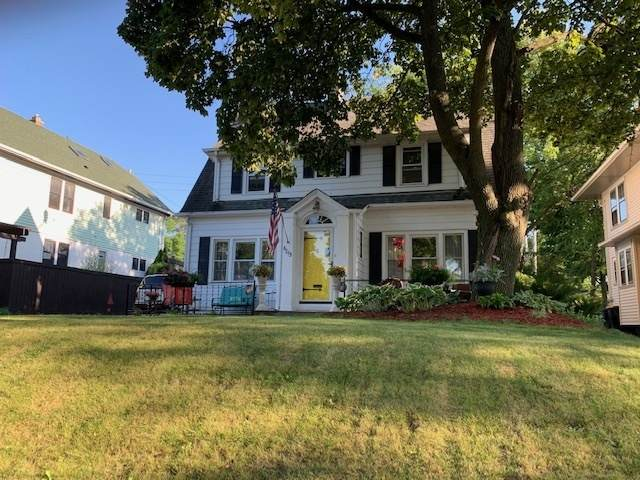 6013 W Wisconsin Ave, Wauwatosa, WI 53213 (#1764942) :: Re/Max Leading Edge, The Fabiano Group