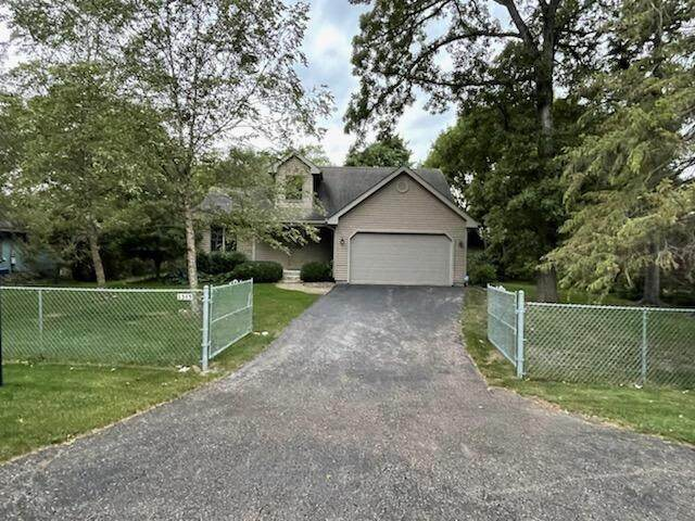 2315 Anna Ave, Twin Lakes, WI 53181 (#1765014) :: Re/Max Leading Edge, The Fabiano Group