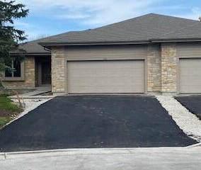 1010 N Pinegrove Ct #35, Hartland, WI 53029 (#1766904) :: Keller Williams Realty - Milwaukee Southwest