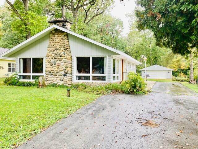 N1607 Wooddale Dr, Linn, WI 53147 (#1767200) :: Re/Max Leading Edge, The Fabiano Group