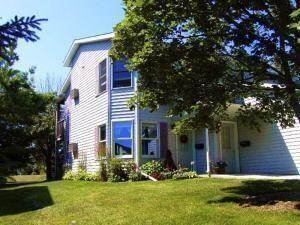724 Woodview Ave #3, Sheboygan Falls, WI 53085 (#1767433) :: RE/MAX Service First