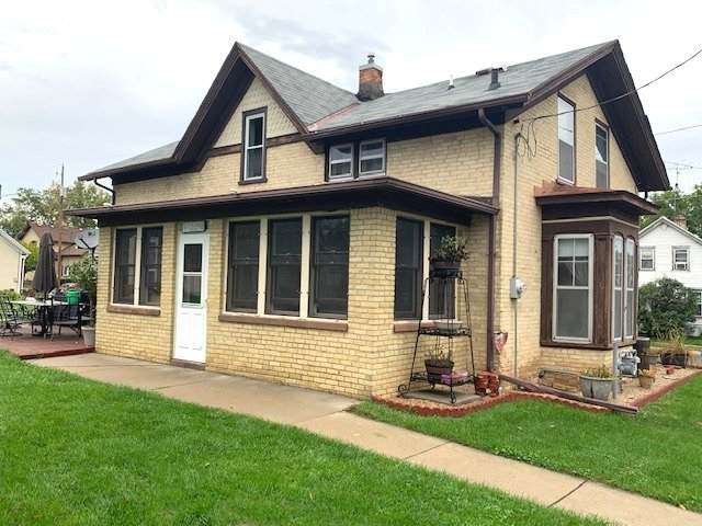 517 Hancock St, Watertown, WI 53098 (#1767559) :: RE/MAX Service First