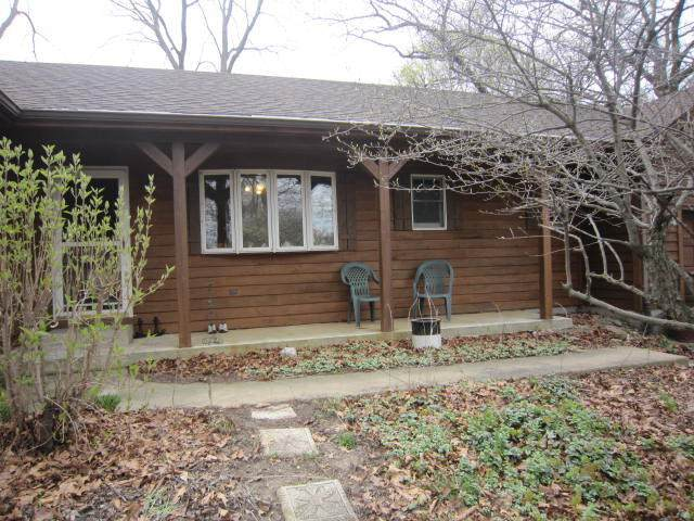 519 Bird St, Twin Lakes, WI 53181 (#1769102) :: EXIT Realty XL
