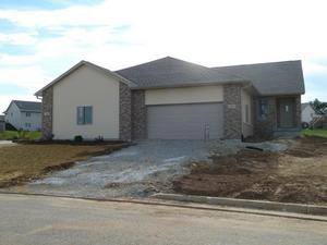 210 Heritage Dr - Photo 1
