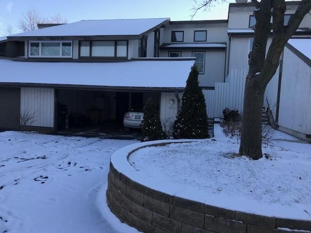 1230 W Baldwin Ct, Mequon, WI 53092 (#1563012) :: Vesta Real Estate Advisors LLC