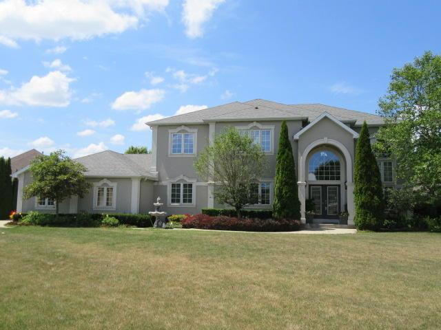 8448 E Ridge Dr, Pleasant Prairie, WI 53158 (#1586386) :: Tom Didier Real Estate Team