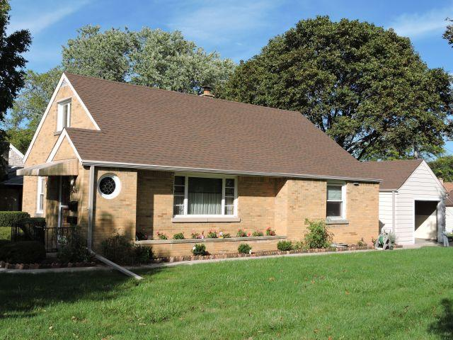 506 N 107th St, Wauwatosa, WI 53226 (#1607883) :: Tom Didier Real Estate Team