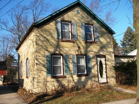 243 N Mill St, Saukville, WI 53080 (#1616326) :: Tom Didier Real Estate Team