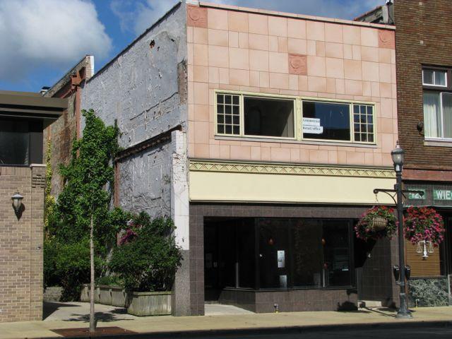 422 Main St, Racine, WI 53403 (#1618285) :: Vesta Real Estate Advisors LLC
