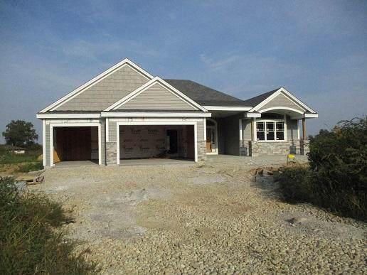 1850 Grandview Dr, Slinger, WI 53086 (#1656265) :: Tom Didier Real Estate Team