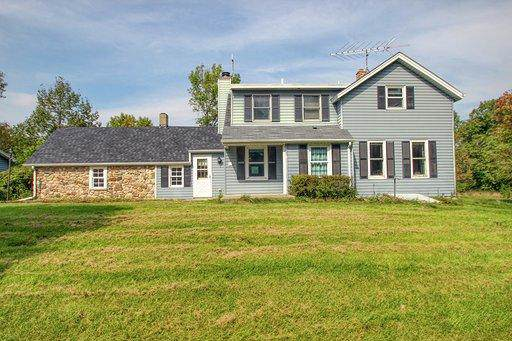 5696 Monches Rd, Erin, WI 53017 (#1660320) :: eXp Realty LLC
