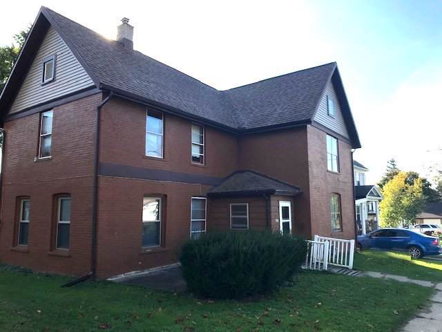 307 S Montgomery St, Watertown, WI 53094 (#1664786) :: RE/MAX Service First