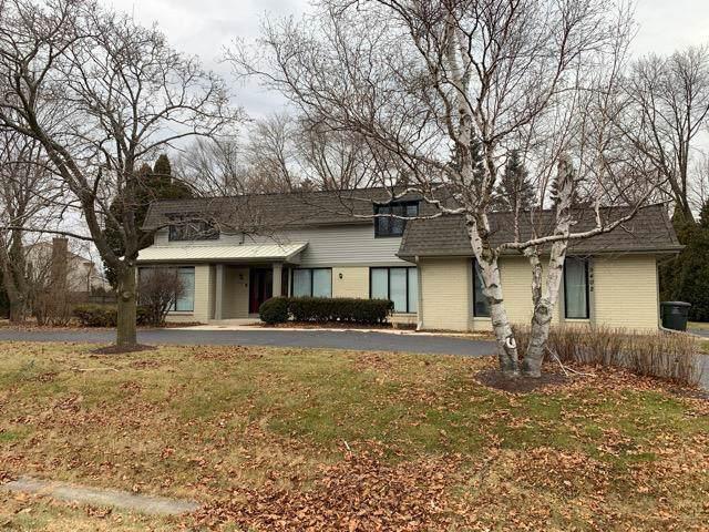 9402 N Fairway Cir, Bayside, WI 53217 (#1669649) :: Keller Williams Realty - Milwaukee Southwest