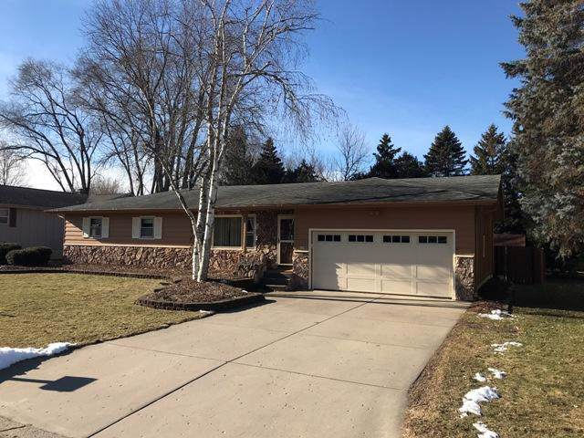 274 S Woodland Dr, Whitewater, WI 53190 (#1670720) :: RE/MAX Service First Service First Pros