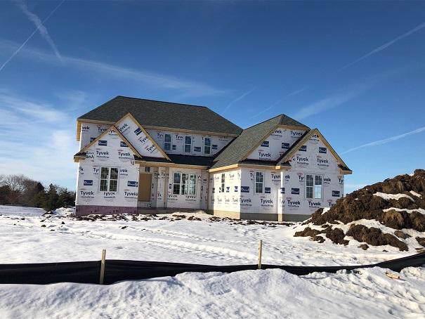 W282N6633 Forest Ridge Cir, Merton, WI 53089 (#1675335) :: NextHome Prime Real Estate