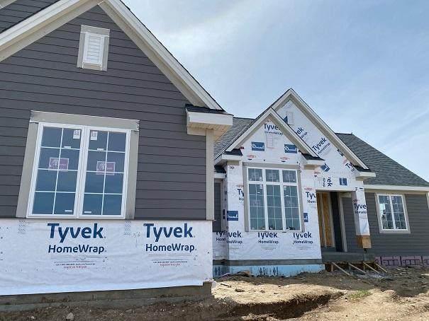 N66W27991 Maple St, Merton, WI 53089 (#1683068) :: NextHome Prime Real Estate