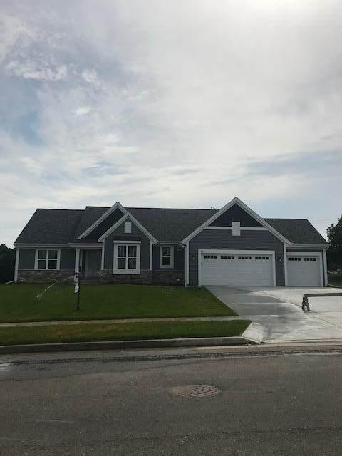 721 Stoecker Farm Ave, Mukwonago, WI 53149 (#1684904) :: OneTrust Real Estate