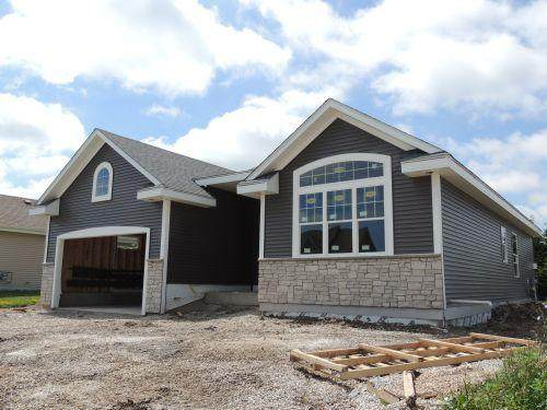 9223 Prairie Crossing Dr, Caledonia, WI 53126 (#1689831) :: OneTrust Real Estate