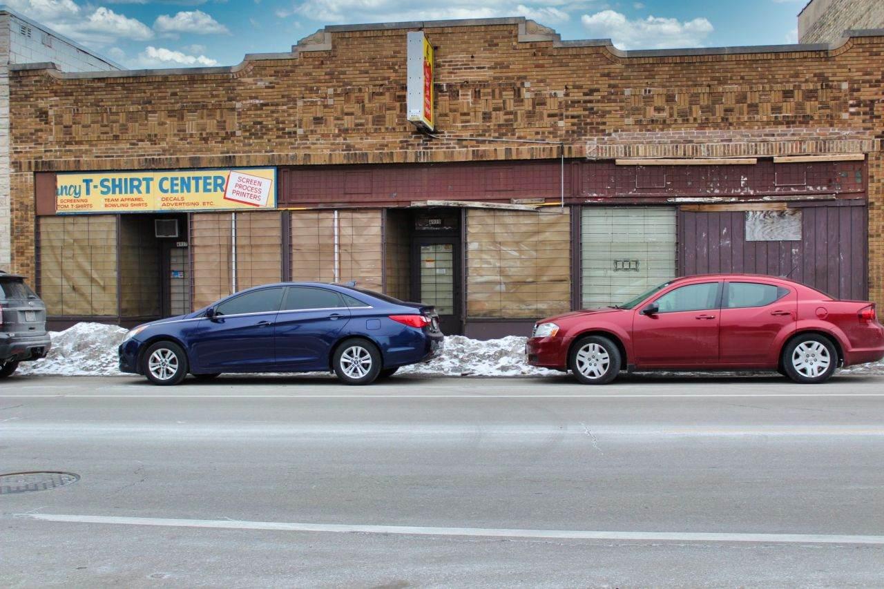 4917 Center St - Photo 1