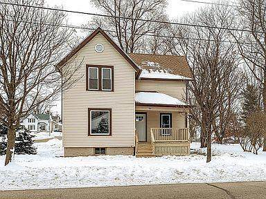 815 Wisconsin Dr, Jefferson, WI 53549 (#1724940) :: Tom Didier Real Estate Team