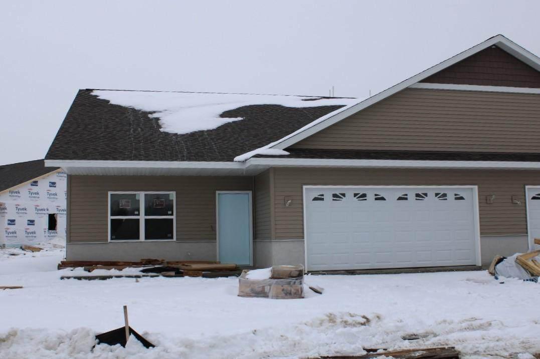 807 Prairie Gdns - Photo 1