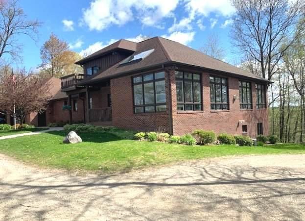 W2382 Gopher Hill Rd, Ixonia, WI 53094 (#1738255) :: Keller Williams Realty - Milwaukee Southwest
