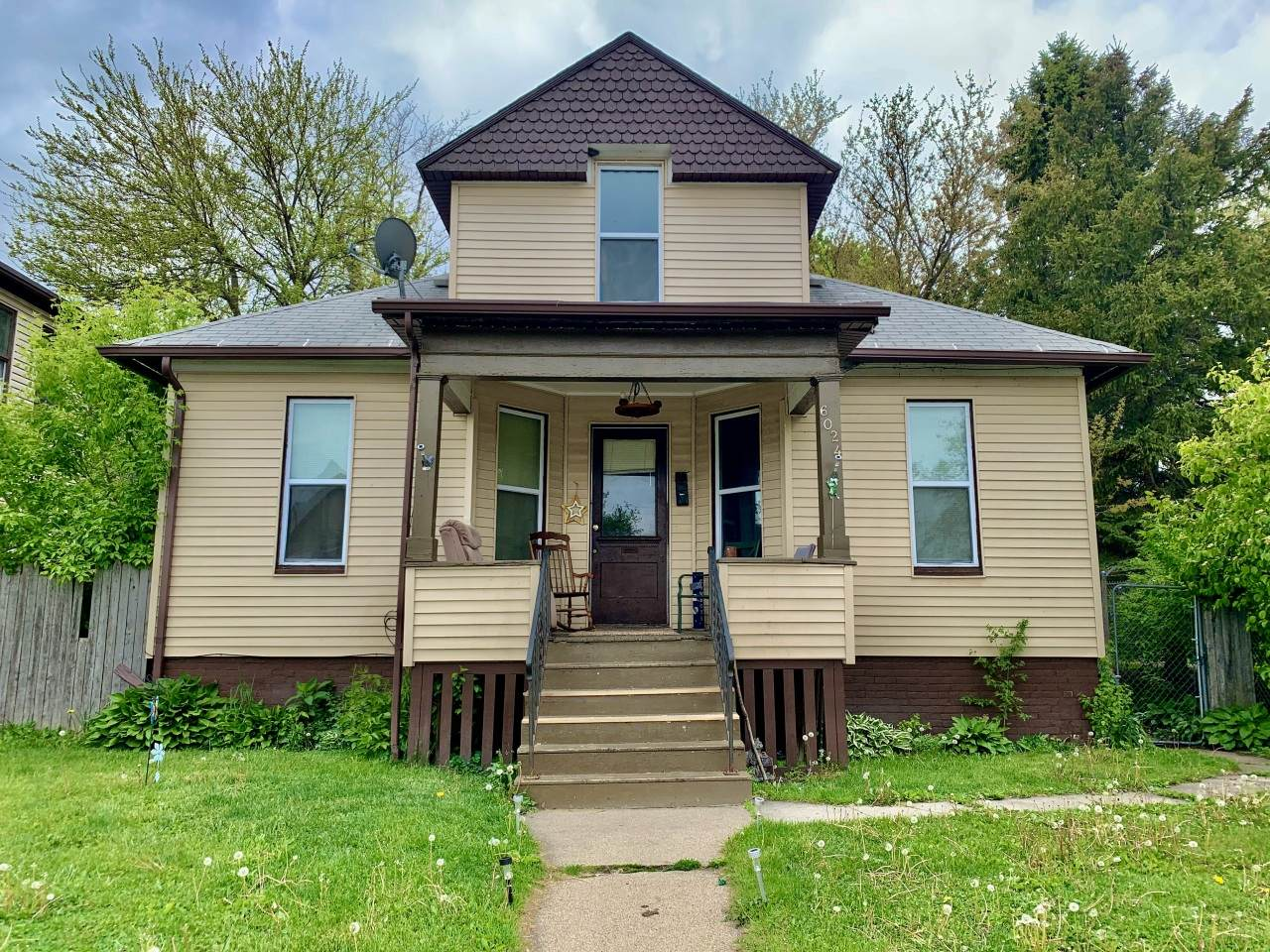 6024 23rd Ave - Photo 1