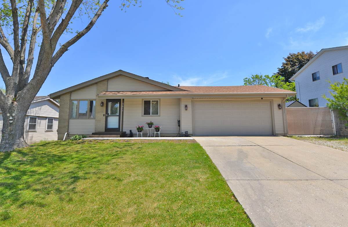 3611 Sovereign Dr - Photo 1