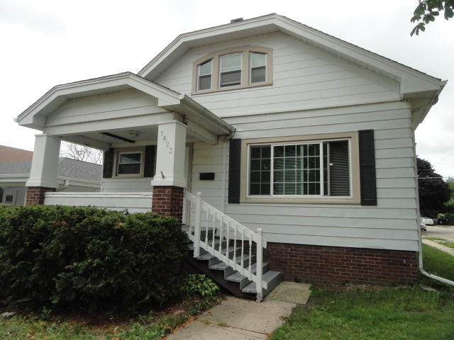 1823 21st St, Racine, WI 53403 (#1749550) :: RE/MAX Service First