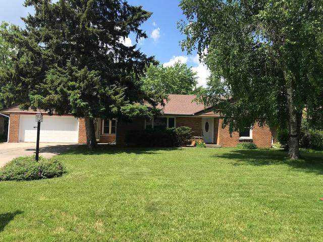 8959 N Iroquois Rd, Bayside, WI 53217 (#1749734) :: EXIT Realty XL