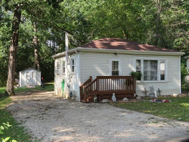 23504 80th Pl, Salem Lakes, WI 53168 (#1757552) :: Tom Didier Real Estate Team