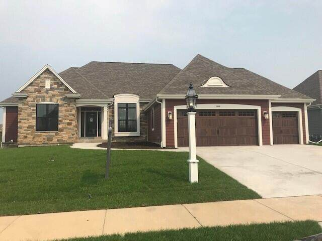 1430 White Deer Trl, Waukesha, WI 53189 (#1758120) :: EXIT Realty XL