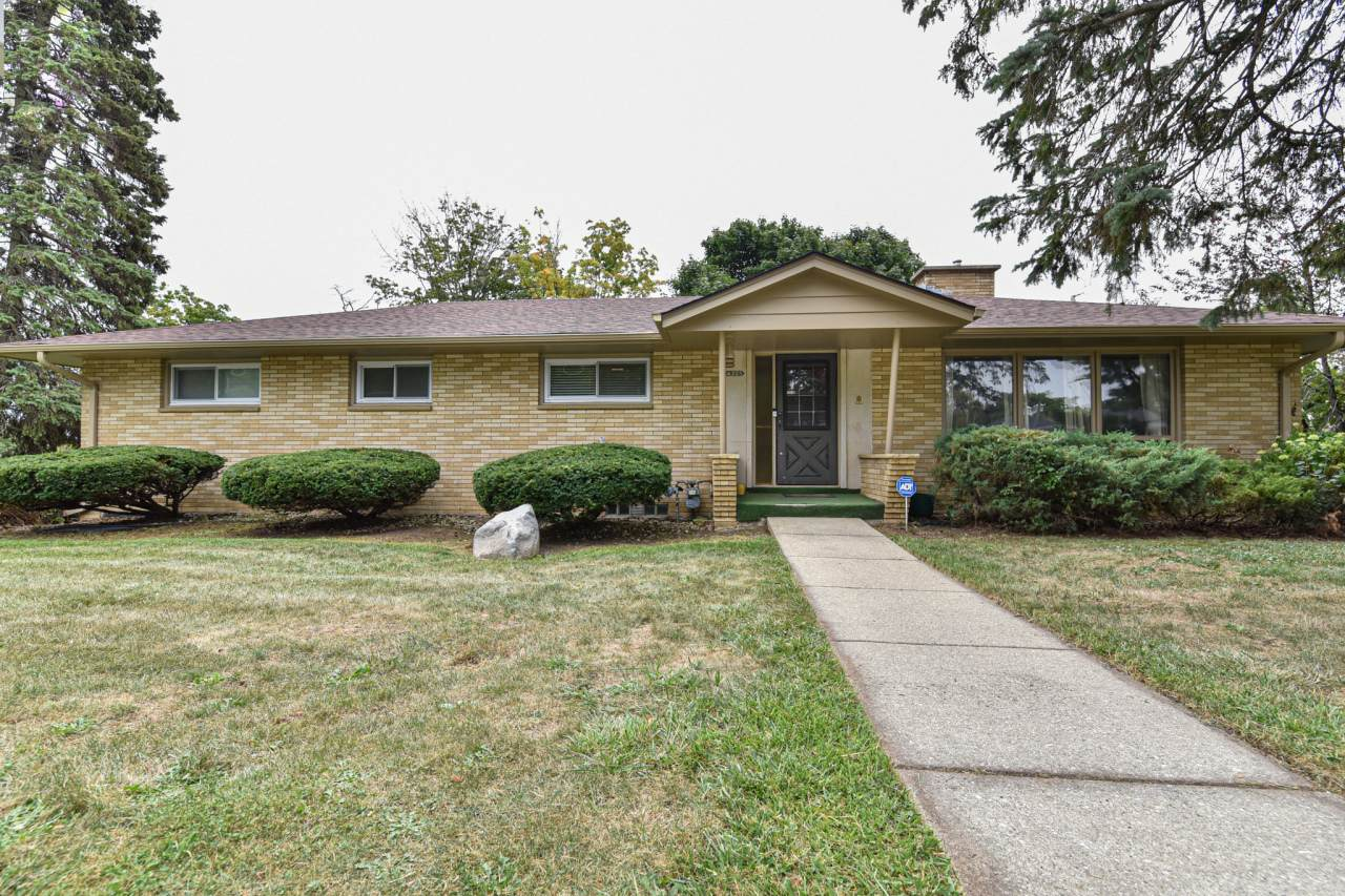 4325 Westway Ave - Photo 1