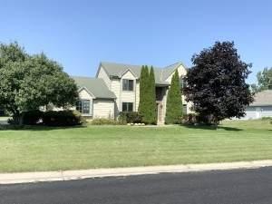 W138N6667 Manor Hills Blvd, Menomonee Falls, WI 53051 (#1768809) :: RE/MAX Service First