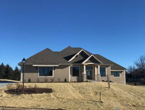 1633 Twisted Oak Ct, Hartland, WI 53029 (#1607268) :: RE/MAX Service First Service First Pros