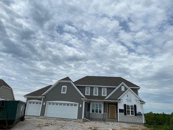 W239N3777 River Birch Ct, Pewaukee, WI 53072 (#1675252) :: NextHome Prime Real Estate