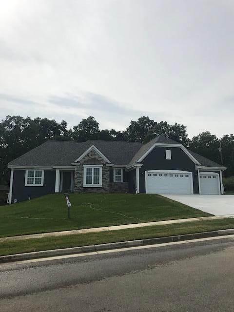 735 Stoecker Farm Ave, Mukwonago, WI 53149 (#1685381) :: OneTrust Real Estate