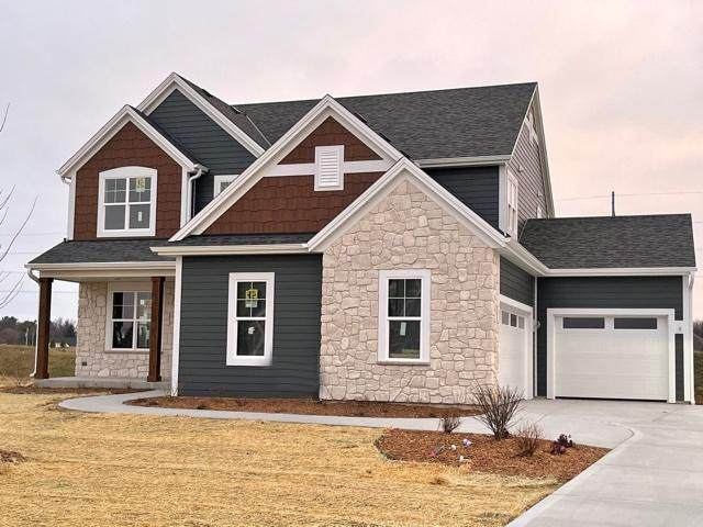 3118 Castle Rock Dr, Summit, WI 53066 (#1709773) :: RE/MAX Service First