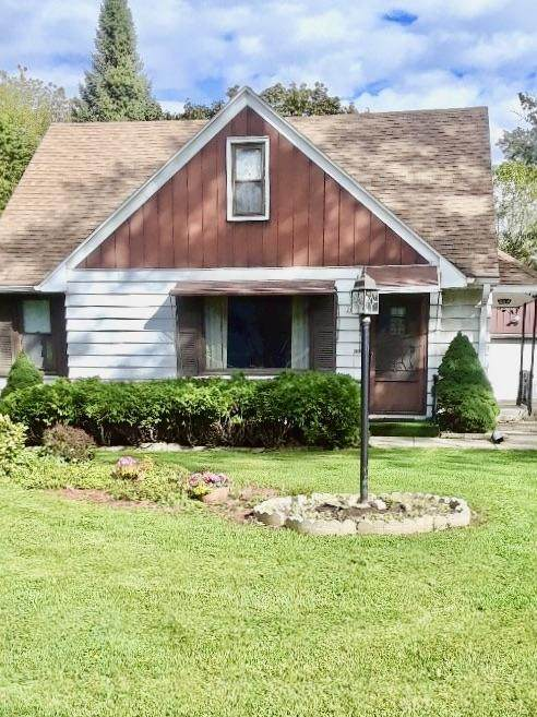 2634 N 111th St, Wauwatosa, WI 53226 (#1723229) :: RE/MAX Service First