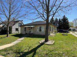 505 Branch St, Hartford, WI 53027 (#1737907) :: EXIT Realty XL