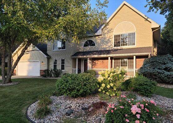 2107 Brougham Ln, Mount Pleasant, WI 53406 (#1763046) :: EXIT Realty XL
