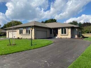 1214 E Sweetbriar Ln #44, Hartland, WI 53029 (#1766916) :: Keller Williams Realty - Milwaukee Southwest