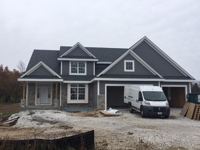 4228 Bridlewood Ct, Richfield, WI 53017 (#1604592) :: Tom Didier Real Estate Team